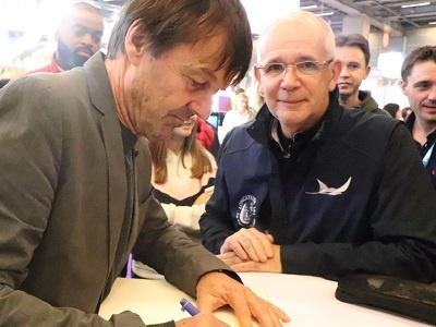 Nicolas hulot daniel signature livre d or