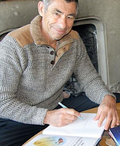 Francois Sarano dedicace ses livres